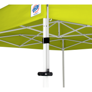 Système de fixation pour oriflamme à la tente